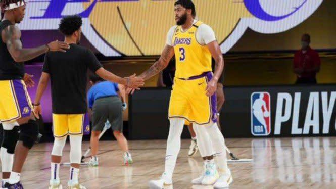 Anthony Davis Menggila, Lakers Kalahkan Nuggets