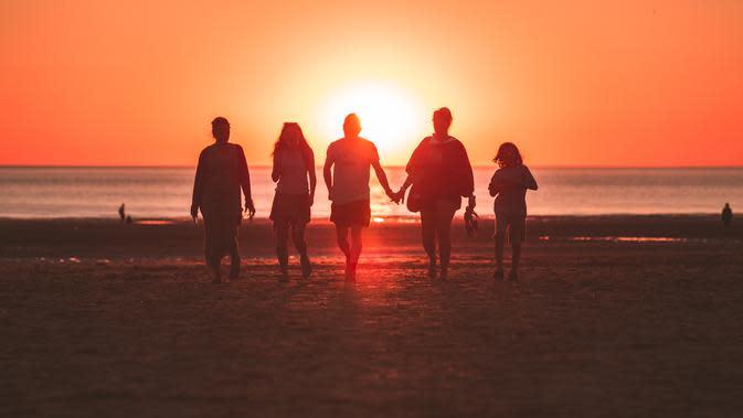 Ilustrasi Liburan Keluarga | unsplash.com