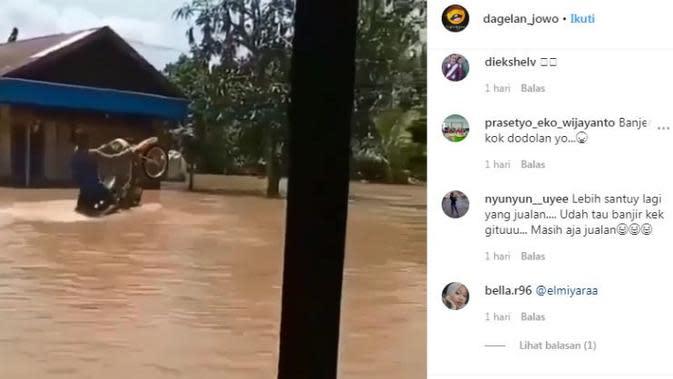 Aksi Freestyle Lewati Banjir Bikin Motor Anti Mogok