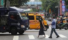 標線型人行道只學半套:「車本交通」的台灣,離「人本交通」有多遠?