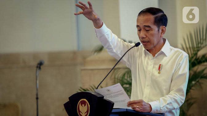 Jokowi Minta Menteri Tak Anggap Enteng Vaksinasi Covid-19