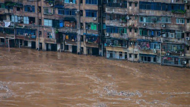 Setelah Corona Wuhan Dilanda Banjir, 121 Orang Meninggal