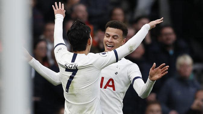 Dua bintang Tottenham Hotspur, Dele Alli dan Son Heung-min. (AFP/Adrian Dennis)