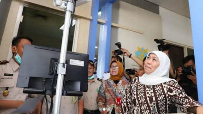 Gubernur Jawa Timur Khofifah Indar Parawansa kunjungan kerja ke Bandara Internasional Juanda. (Foto: Instagram Gubernur Jawa Timur Khofifah Indar Parawansa)