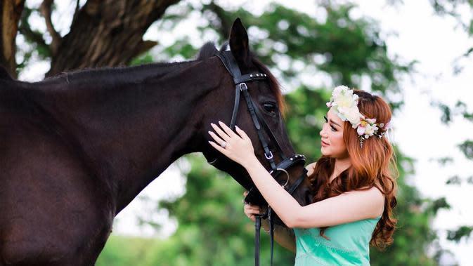 Kezillaz Ranch menawarkan jasa foto prewedding bersama kuda (Dok. Kezillaz Ranch)