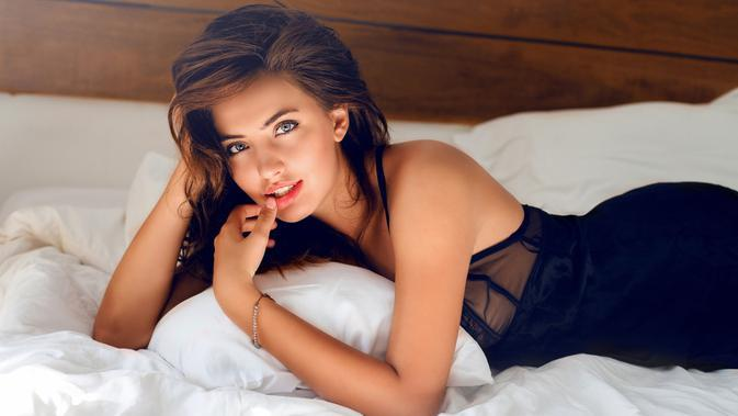 ilustrasi perempuan seksi/copyright by Svitlana Sokolova (Shutterstock)