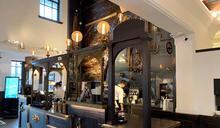 舊三和銀行高雄支店櫃台改造咖啡館吧台 (圖)
