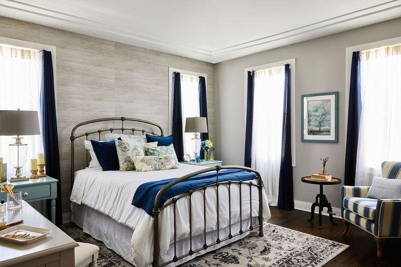 """<p>Out of every room in your home, your bedroom should be the <a href=""""https://www.goodhousekeeping.com/home/decorating-ideas/a29615772/how-to-feng-shui-bedroom/"""" target=""""_blank"""">most calming</a> spot. Set yourself up for a <a href=""""https://www.goodhousekeeping.com/health/wellness/g26963663/best-sleep-apps/"""" target=""""_blank"""">good night's sleep</a> with one of these 22 relaxing gray bedroom design ideas. Any of these stylish interior schemes will inspire you to decorate with gray, whether it's through your choice of paint, bedding, or both. </p>"""