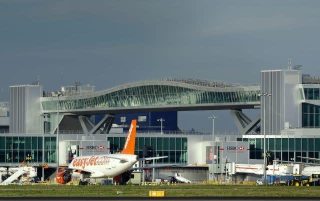 EasyJet, Jet2.com buy Thomas Cook airport slots