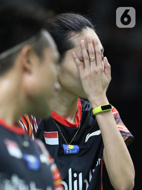 Ganda campuran Indonesia, Hafiz Faizal/Gloria Emanuelle Widjaja saat berlaga di babak pertama Indonesia Master 2020 melawan Zheng Si Wei/Huang Ya Qiong (China) di Istora GBK, Jakarta, Selasa (14/1/2020). Hafiz/Gloria kalah dua set langsung 14-21, 13-21. (Liputan6.com/Helmi Fithriansyah)