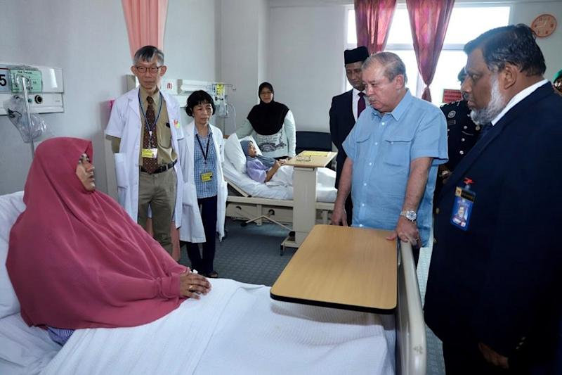 Johor ruler Sultan Ibrahim Sultan Iskandar took time to visit the Pasir Gudang fume inhalation victims in the Sultan Ismail Hospital in Johor Baru March 14, 2019. — Picture courtesy of the Johor Royal Press Office