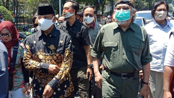 Mantan Panglima TNI Jenderal (Purn) Gatot Nurmantyo menghadiri deklarasi Koalisi Aksi Menyelamatkan Indonesia (KAMI) Jawa Barat di Kota Bandung, Senin (7/9/2020). (Liputan6.com/Huyogo Simbolon)