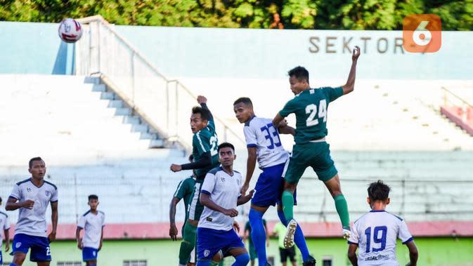 Persebaya Surabaya menang 5-0 atas tim Liga 2, Putra Sinar Giri (PSG), di Stadion Gelora Delta, Sidoarjo, Minggu (20/9/2020) sore. (Bola.com/Aditya Wany)