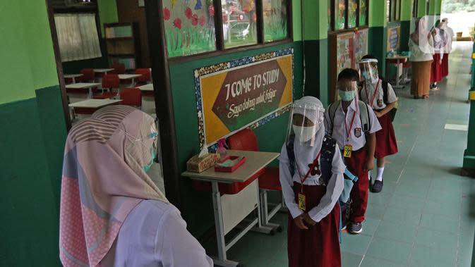 Guru dan Siswa di Cilacap Wajib Tes Swab Sebelum Simulasi Belajar Tatap Muka