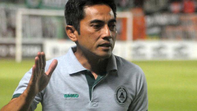 Seto Nurdiyantoro, pelatih PSS di Liga 1 2019. (Bola.com/Vincentius Atmaja)