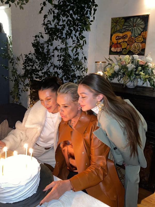 Bella, Yolanda, dan Gigi Hadid (Instagram/ bellahadid)