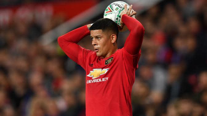 Marcos Rojo mulai tampil reguler bersama Manchester United pada musim 2019-20. (AFP/Paul Ellis)