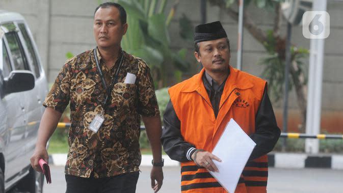 Pejabat Pembuat Komitmen di Satuan Kerja Pelaksanaan Jalan Nasional XII Balikpapan, Andi Tejo Sukmono tiba untuk pemeriksaan di Gedung KPK, Jakarta, Rabu (4/12/2019). Andi diperiksa sebagai tersangka suap pengadaan proyek jalan di Provinsi Kalimantan Timur tahun 2018-2019. (merdeka.com/Dwi Narwoko)