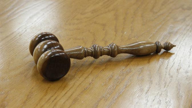 Ilustrasi palu hakim pengadilan. (Sumber Pixabay)
