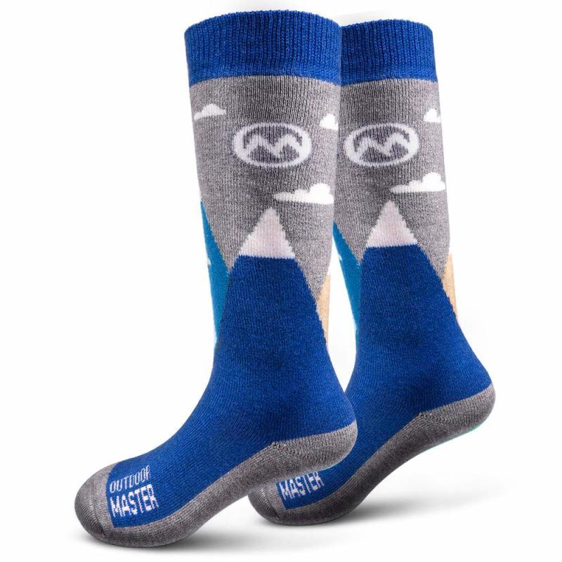 OutdoorMaster Kids Ski Socks. (Photo: Amazon)