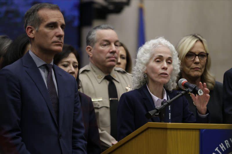 AS peringatkan Los Angeles bahwa perpanjangan perintah diam di rumah bisa ilegal