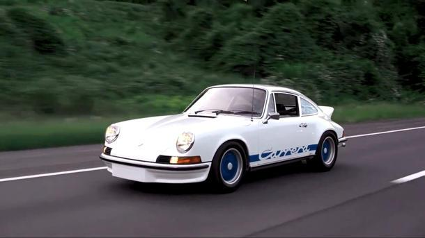 """Jerry Seinfeld's """"dead guy"""" '73 Porsche 911 takes Seth Myers to coffee"""