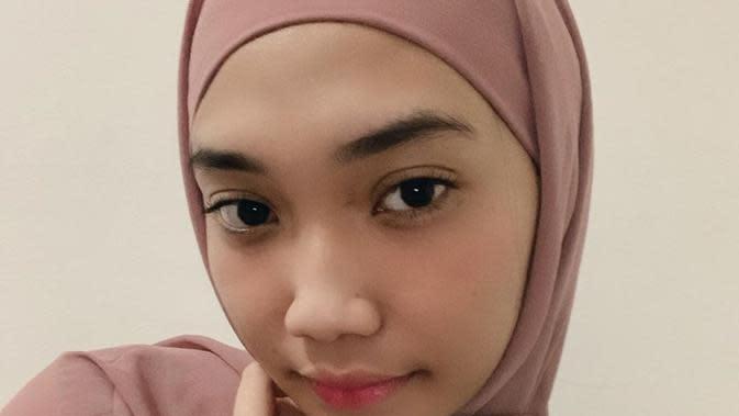 Gaya hijab Cindy Caroline. (Foto: instagram/c.eendy)