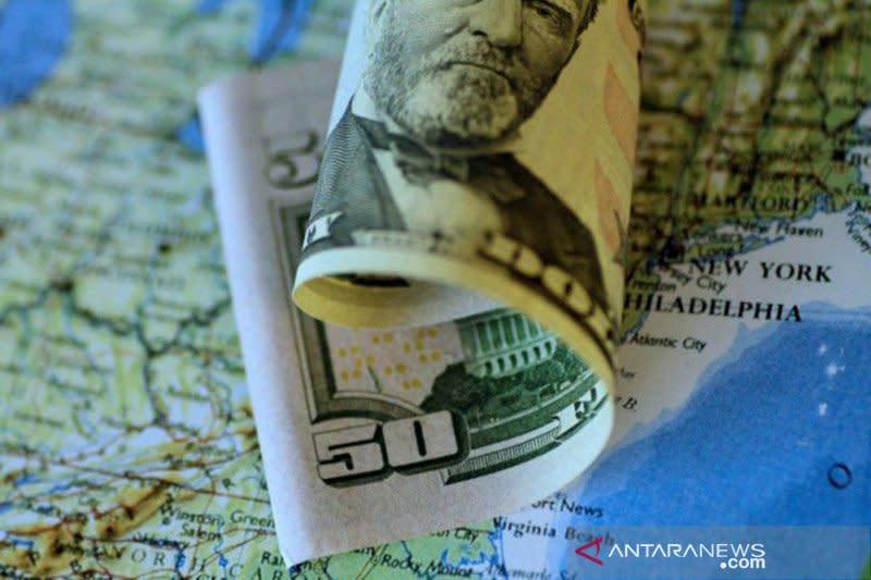 Dolar jatuh, tertekan penurunan tajam imbal hasil obligasi AS