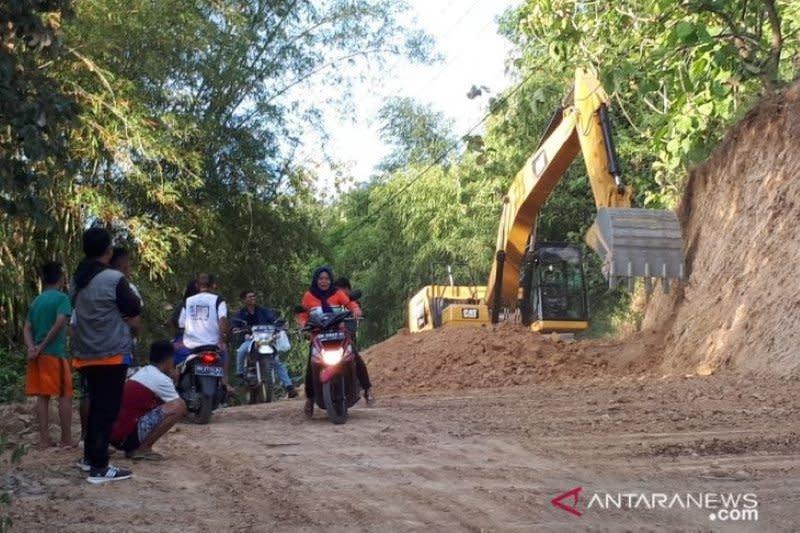 Legislator usulkan sumber penanganan jalan desa dari APBN