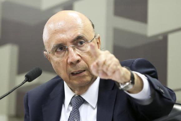 Brasília - O ministro da Fazenda, Henrique Meirelles, participa de audiência pública na Comissão de Assuntos Econômicos do Senado (Marcelo Camargo/Agência Brasil)