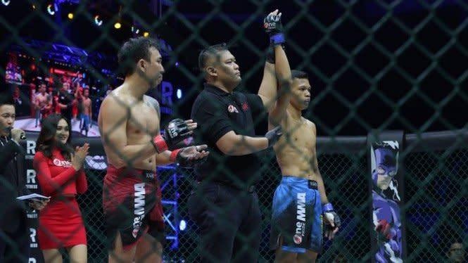 Firman Mengganas, Hanif Hancur di One Pride MMA FN 37