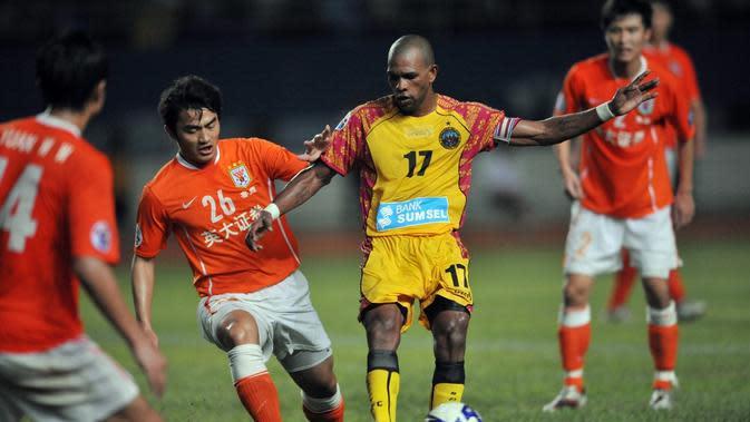 Keith Gumbs saat membela Sriwijaya FC di Liga Champions Asia 2009. (AFP/Adek Berry)