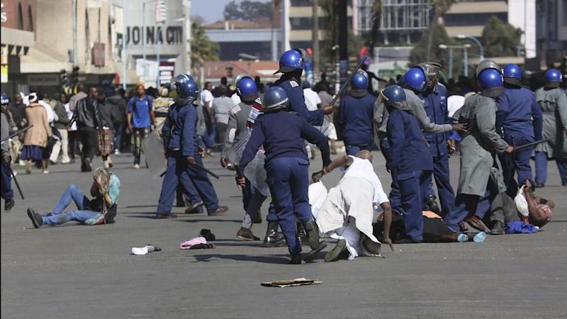 APTOPIX Zimbabwe Protests
