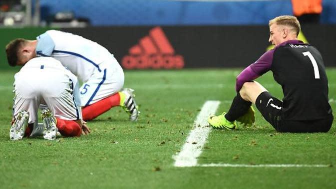 Tim nasional Inggris tersingkir dari Piala Eropa 2016 setelah kalah 1-2 dari Islandia, Senin (27/6/2016). (AFP/Anne-Christine Poujoulat)