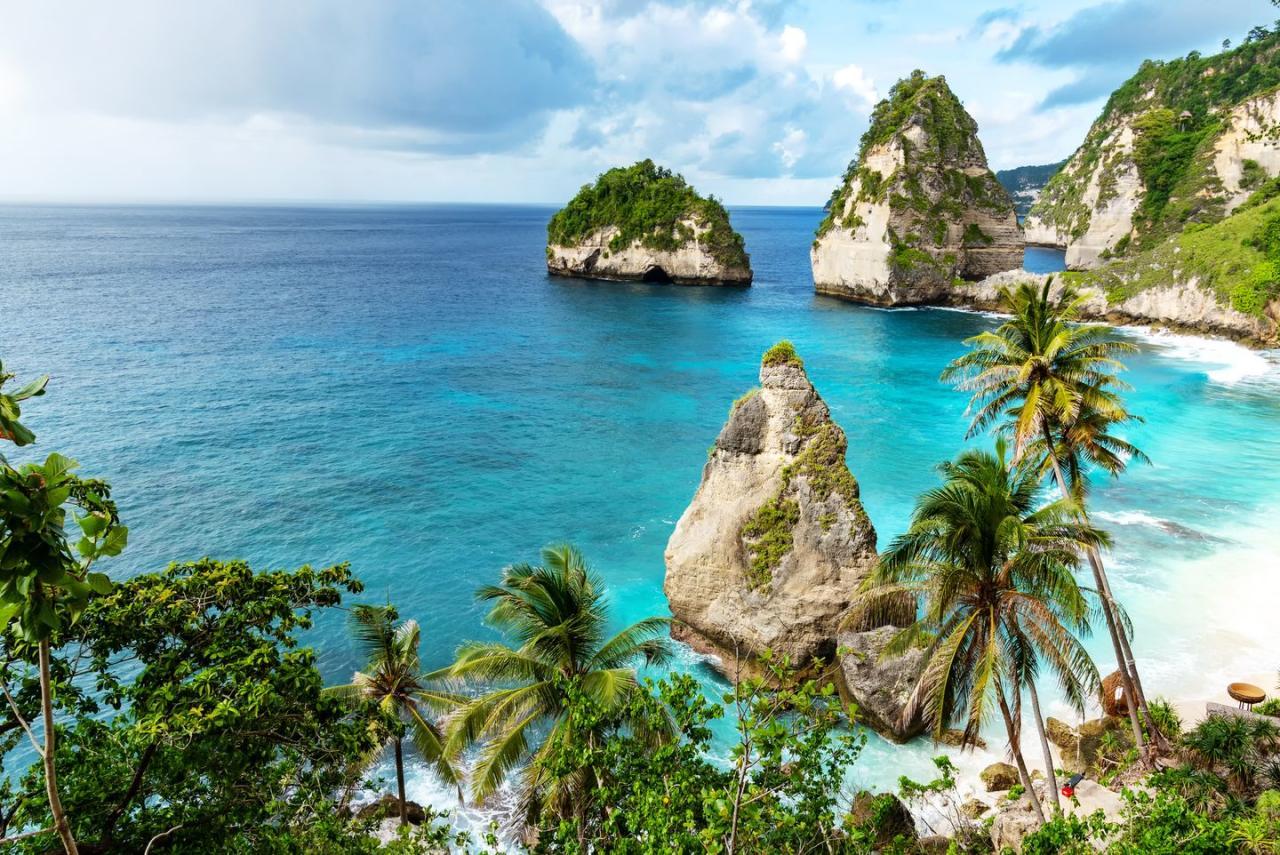 <p>Diamond Beach in Bali, Indonesia. </p>