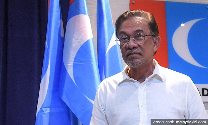 Anwar to make 'big announcement' at noon, source says on parliament majority