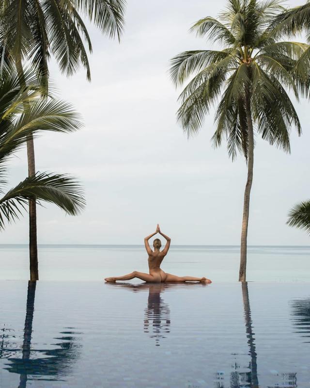 Nude Yoga Girl (Foto: Reprodução/Instagram @nude_yogagirl)