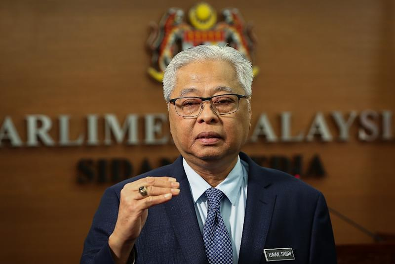 Senior Minister Datuk Seri Ismail Sabri Yaakob says the police and Health Ministry have taken action against five more people who violated their mandatory 14-day home quarantine. — Picture by Yusof Mat Isa