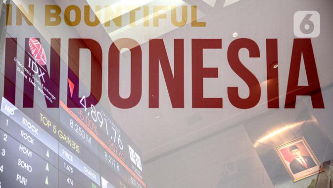 Pergerakan saham pada layar elektronik pergerakan saham di Bursa Efek Indonesia, Jakarta, Kamis (10/7/2020). IHSG pada perdagangan di BEI turun pada Kamis (10/9/2020) pada pukul 10.36 WIB IHSG turun tajam sebesar 5 persen pada level 4.892,87 atau turun 257,49 poin. (Liputan6.com/Faizal Fanani)