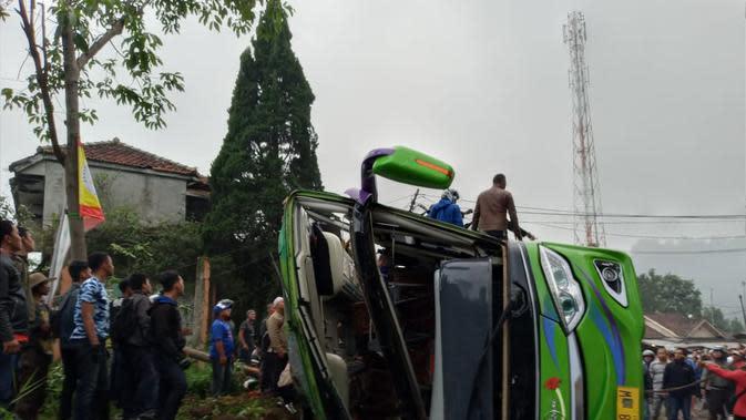Kecelakaan Bus Pariwisata PO Purnama Sari terjadi pada Sabtu (18/1/2020) pukul 17.15 WIB di jalan umum jurusan Bandung-Subang