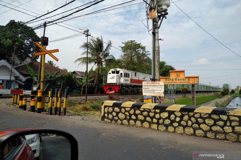 Daop 8 Surabaya jalankan 2 KA jarak jauh Bandung dan Jakarta