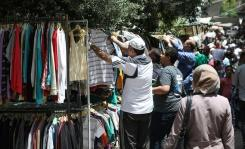 Warga Suriah beralih ke pasar loak untuk penghematan saat Idul Fitri