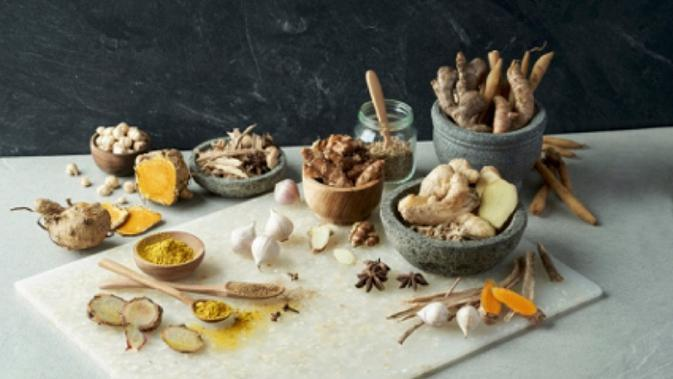 Bahan-bahan herbal untuk pembuatan jamu Air Mancur . foto: istimewa