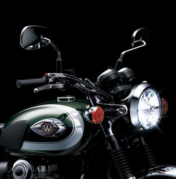 Sentuhan Baru Kawasaki W800, Aura Klasiknya Kini Lebih Kental