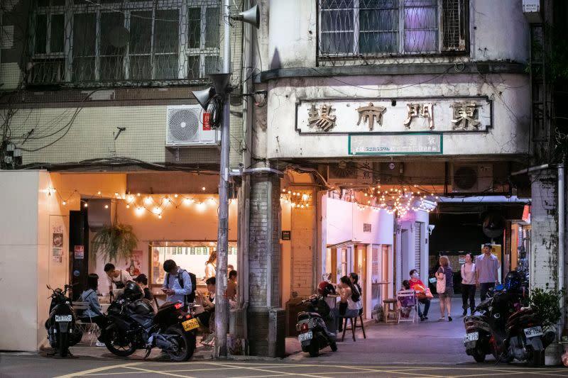 ▲18日下午五點半到八點在新竹市東門市場將舉辦「懂吃懂吃之夜」,還有不插電演出。(圖/記者金祐妤翻攝,109.7.8)