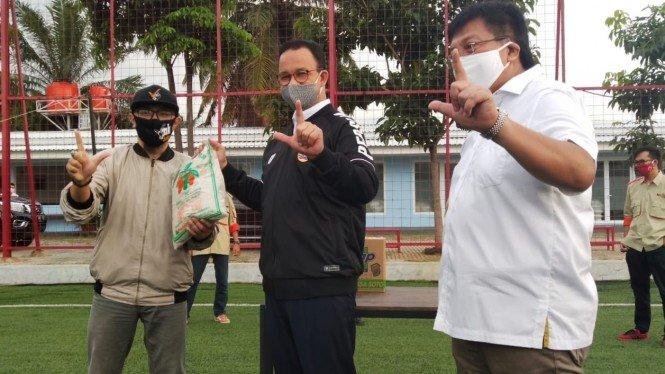 Harapan Anies Baswedan Usai Jakmania Terima Bantuan Sosial