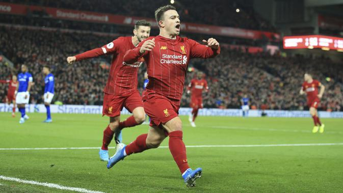 Selebrasi pemain Liverpool Xherdan Shaqiri saat melawan Everton (AP)