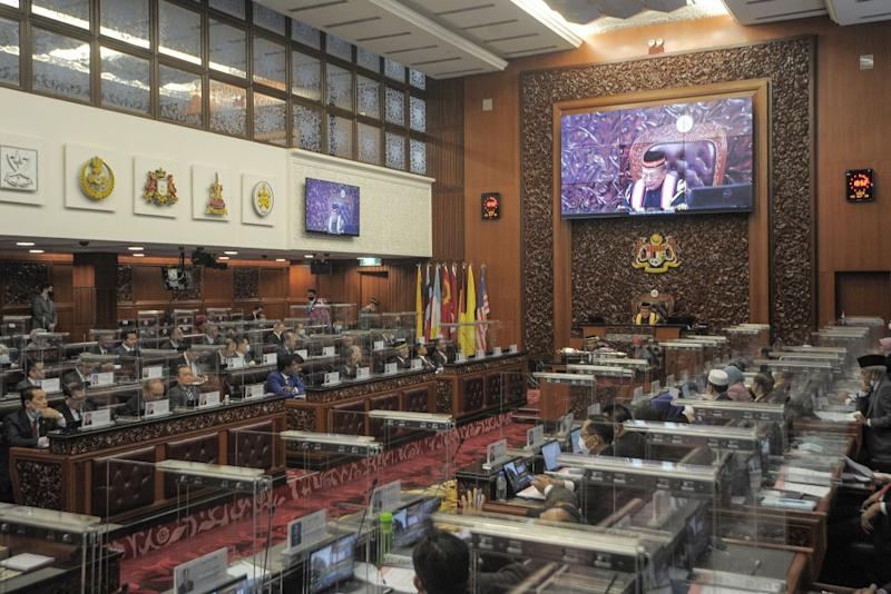 The National Union of Journalists urged the government to allow more press coverage of the upcoming third term of the 14th Parliament sitting. ― Picture by Shafwan Zaidon