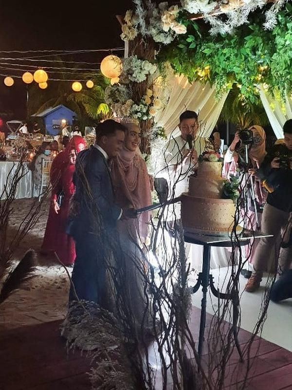 Taqy Malik resmi menikahi selebgram cantik, Serrel Nadirah Thalib. (Sumber: Instagram/@wayanixora_)