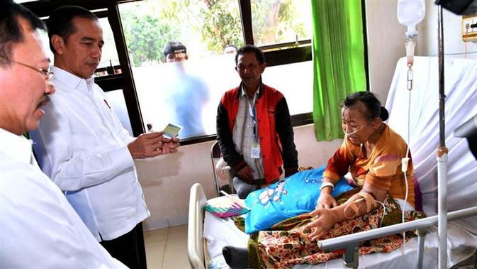 Jokowi sidak pelayanan BPJS Kesehatan di RSUD Subang, Jawa Barat, hari ini (29/11/2019) untuk melihat pelayanan BPJS secara langsung. (Dok Laily Rachev - Biro Pers Sekretariat Presiden)